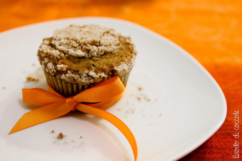Muffin alle pere con streusel di amaretti