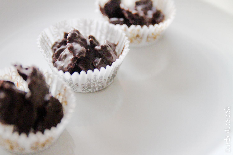 Dolcetti di corn flakes e cioccolato