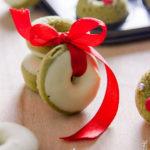 Ghirlandine dolci di ciambelle al tè matcha
