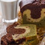 Plumcake variegato al cioccolato, tè matcha e frutti rossi