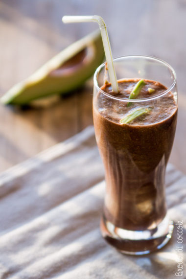 Smoothie di avocado e cacao