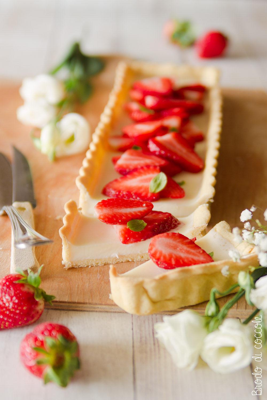Crostata con panna cotta e fragole