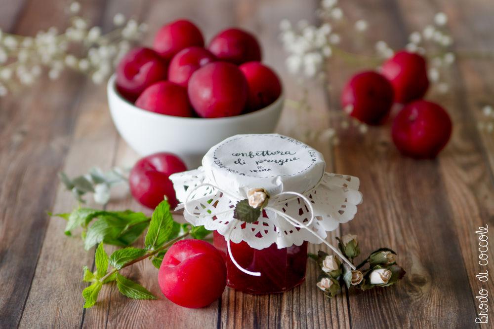 Confettura di prugne fatta in casa con Fruttapec