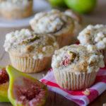 Muffin di grano saraceno con fichi e noci
