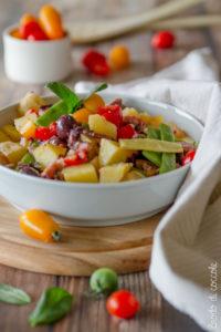 Insalata di polpo, patate e fagioli mangiatutto
