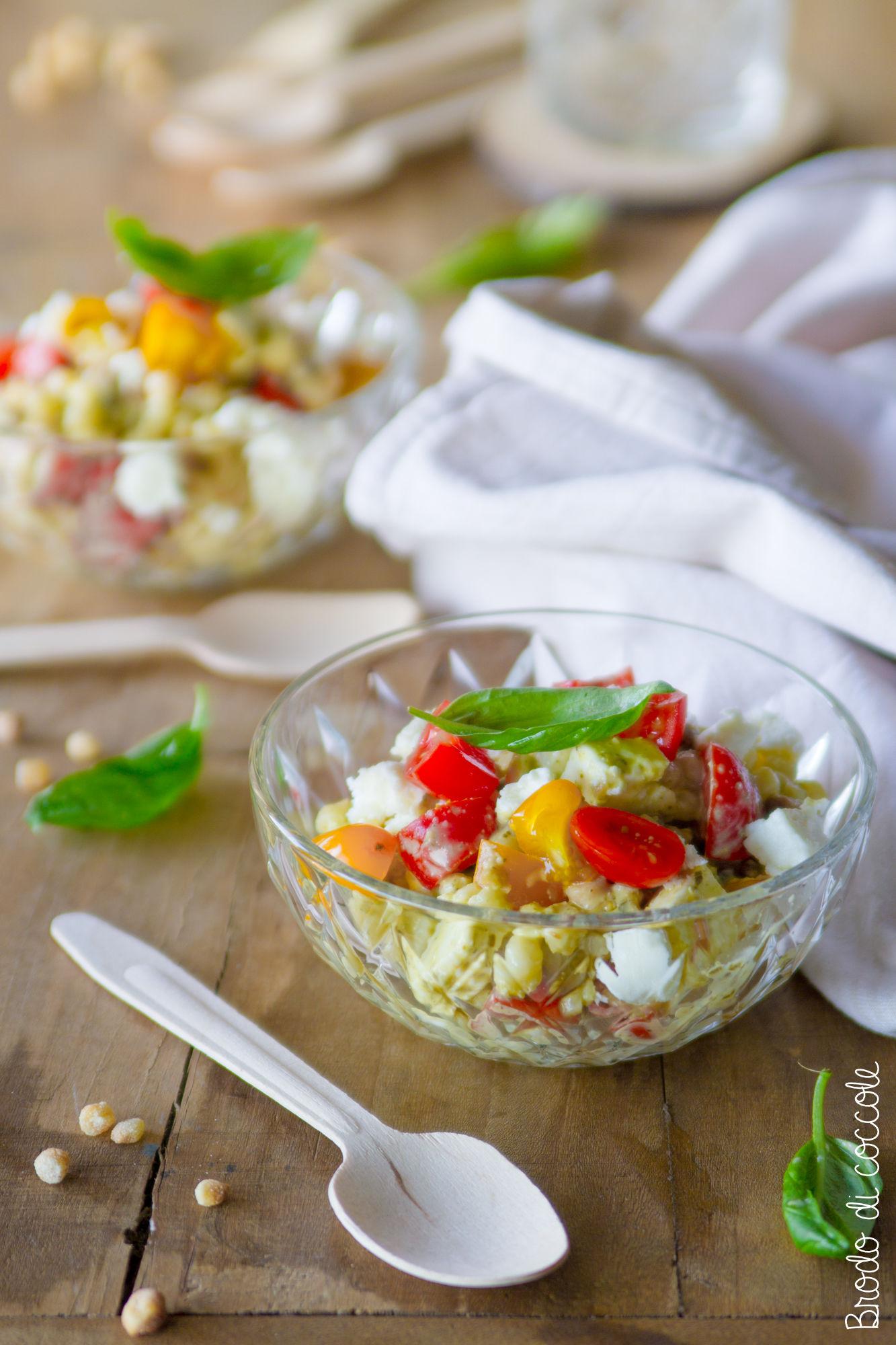 Fregola fredda con pesto, pomodorini e feta