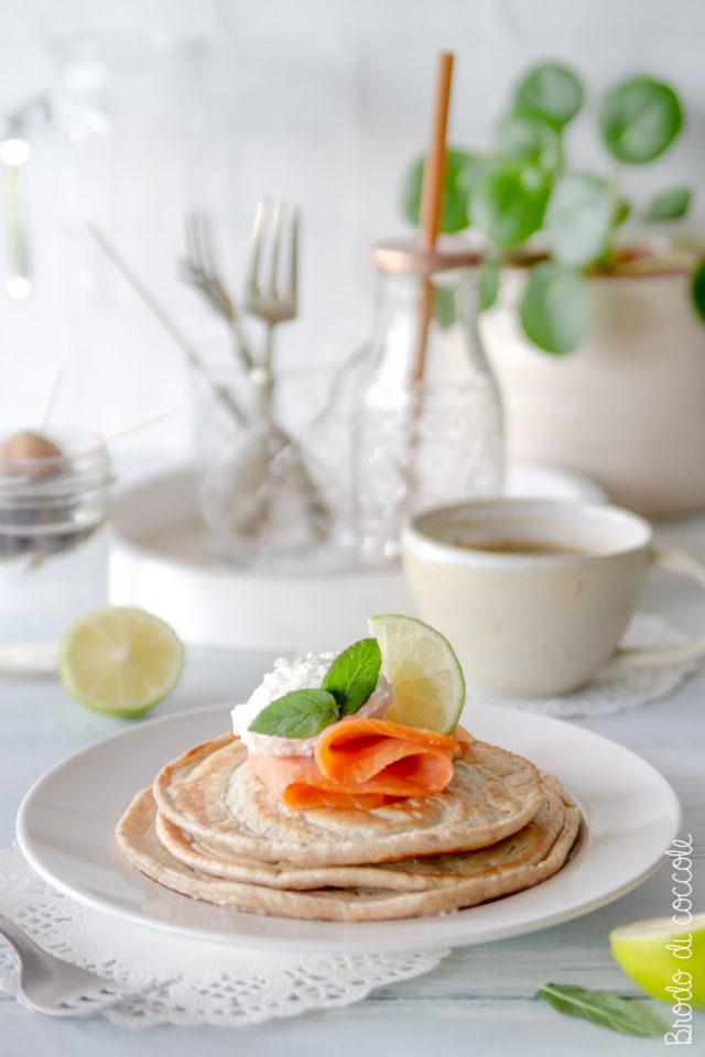Pancake salati di albumi al salmone