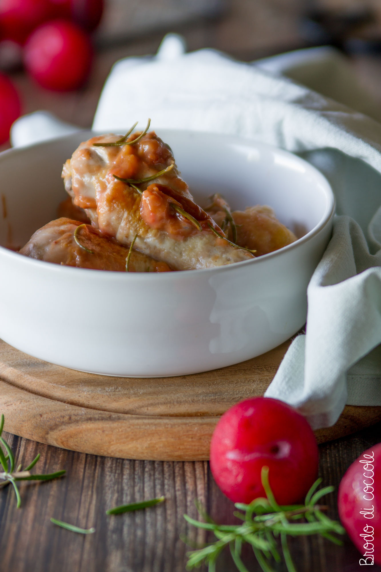 Pollo con prugne e rosmarino