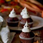 Cupcakes con fantasmini di meringa