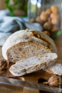 Pane senza impasto alle noci