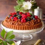 Crostata morbida al cioccolato e frutti di bosco